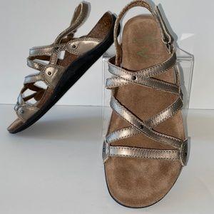 Dansko Comfort Sandals 37 7 Metallic gold straps